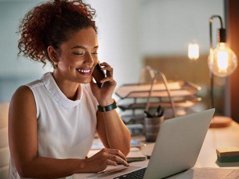 Para atrair o público, fidelizá-lo e vender mais é fundamental adotar estratégias de customer experience. Saiba o que é esta prática e como ela pode impactar positivamente o seu e-commerce.
