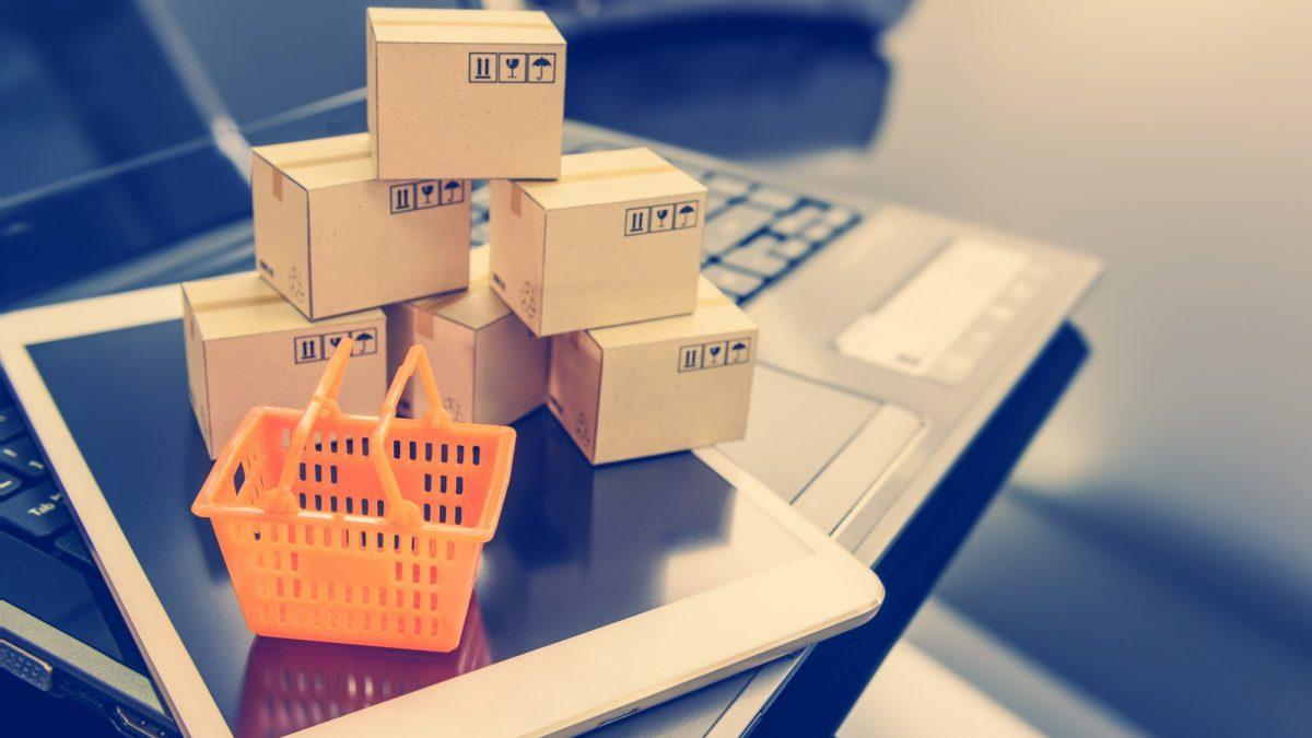 Se você deseja entender as diferenças entre e-commerce e e-business e a relação entre eles, confira o nosso artigo.